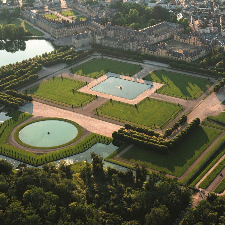 Vue aérienne du château de Fontainebleau