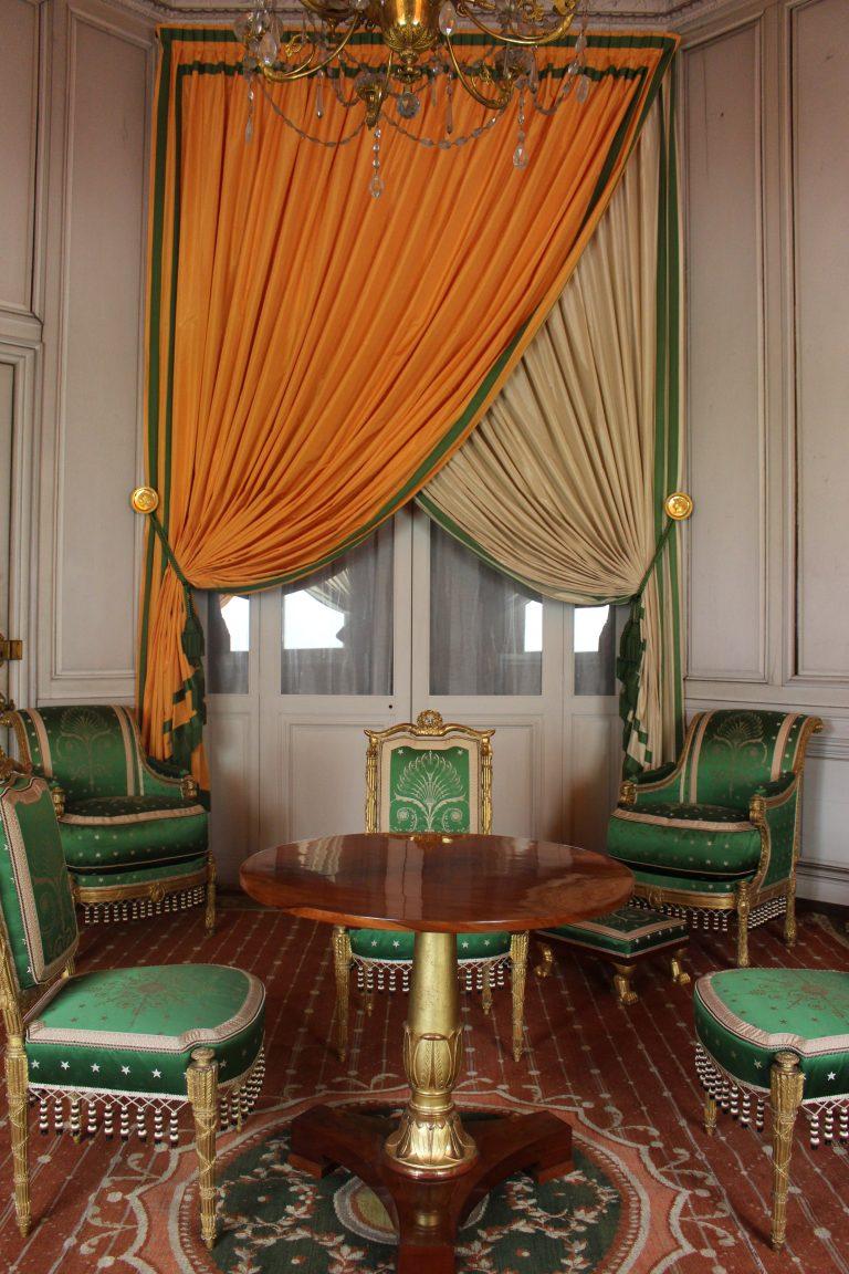 Salon d'attente des dames d'Honneur au château de Fontainebleau
