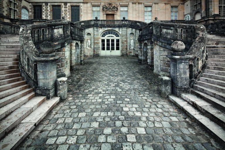 枫丹白露宫荣誉庭院阶梯