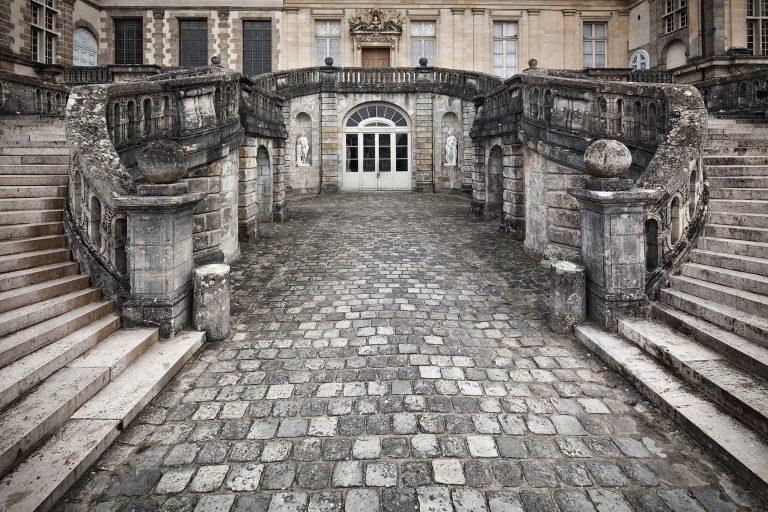 L'escalier de la cour d'honneur du château de Fontainebleau