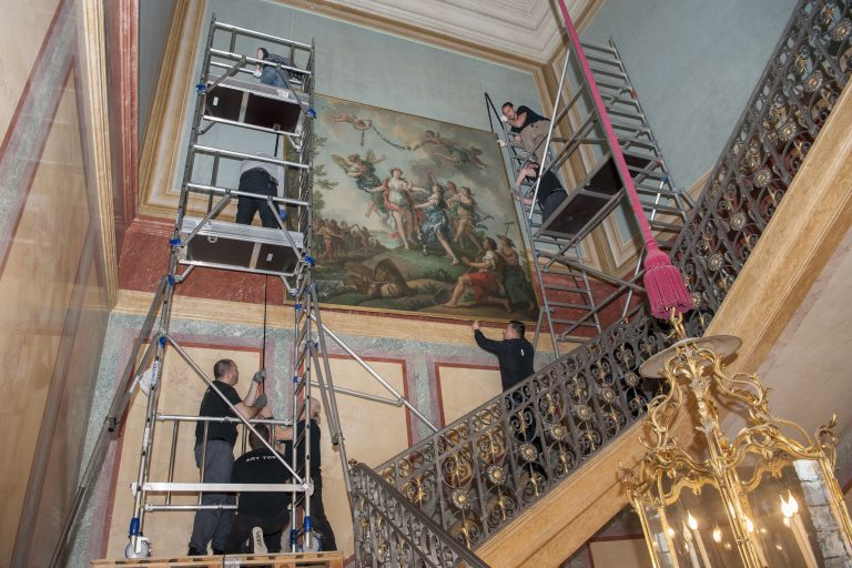 Hanging the painting Zephyr and Flora at the château de Fontainebleau