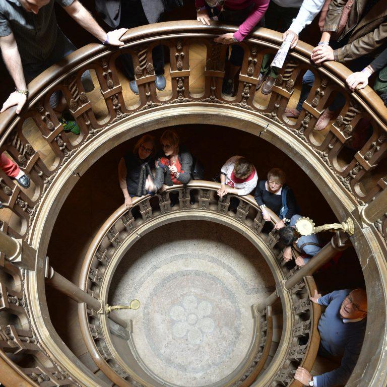 Visite guidée dans l'escalier Saint Louis du château de Fontainebleau