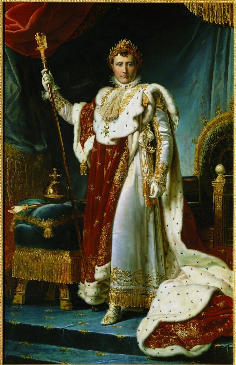 Портрет Наполеона в коронационном одеянии во дворце Фонтенбло