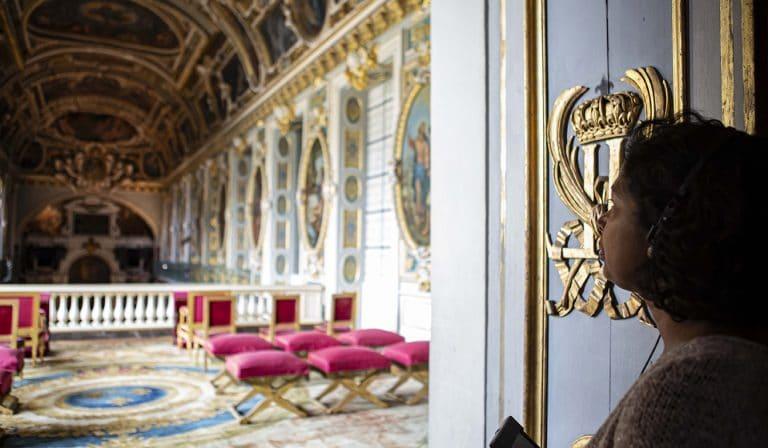 Visioguide dans la chapelle de la Trinité du château de Fontainebleau