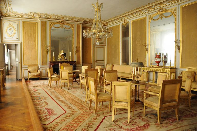 Yellow Salon in the small apartments at the Château de Fontainebleau