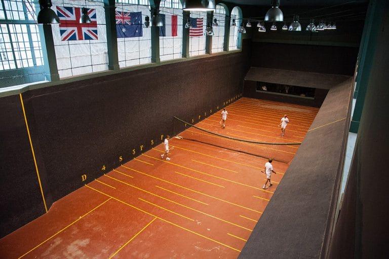Игра в мяч во дворце Фонтенбло