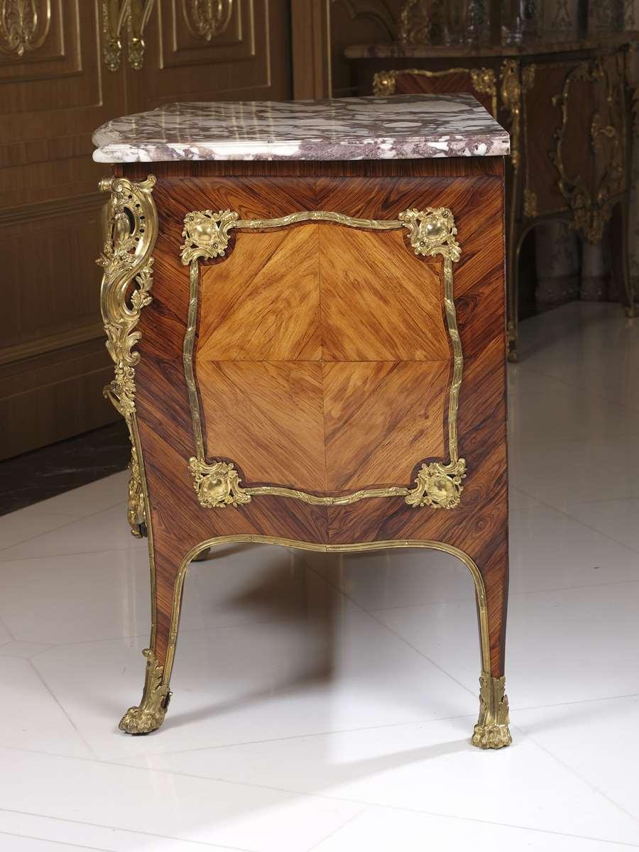 Acquisition de la Commode de Joubert par Fontainebleau  Fontainebleau.rec.faire-savoir.com-commode-de-la-chambre-de-louis-xv-commode-017