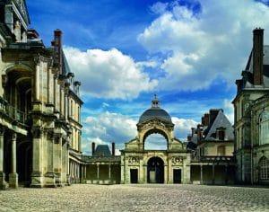 Porte du baptistère Château de Fontainebleau